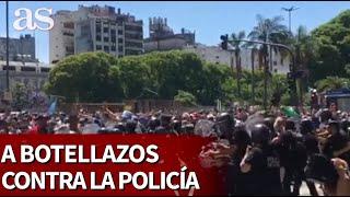 Los violentos se hacen notar en la despedida a Maradona | Diario As