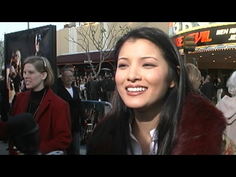 Kelly Hu @ 'Daredevil' Premiere 2-9-03 thumbnail