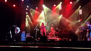 Yasmine Hamdan Hal Live At İstanbul