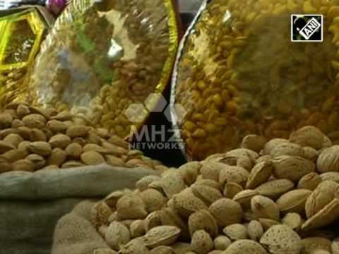 Shopkeepers in Kashmir valley report hike in sales of dry fruits during Ramadan (29 Jun, 2016)