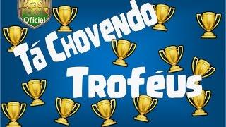 CLASH OF CLANS - TA CHOVENDO TROFÉUS!!!!