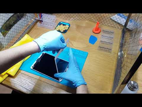 Cleaning iPad Digitizer in a Dust Free Enclosure