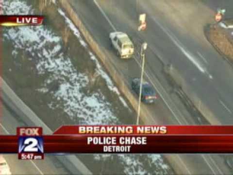 Police Chase in Detroit Ends in Crash, Arrest.flv
