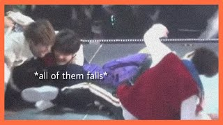 Video SHINee Funny Moments (Part 7) download MP3, 3GP, MP4, WEBM, AVI, FLV Januari 2018