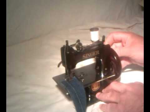 Vintage 1953 Singer Model 20 Sew Handy Child's Sewing Machine Hand Crank