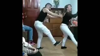 Chapak chapak dance perform