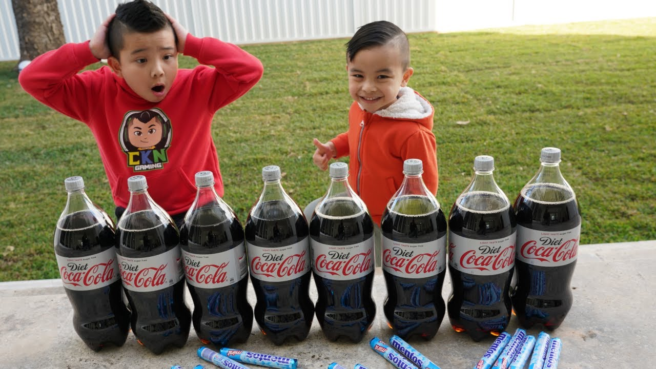 Coca Cola and Mentos Kids  Experiment Fun CKN