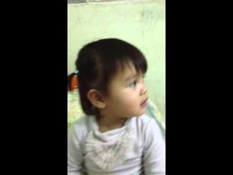 tập tầm vông - Phương Nhi 2 tuổi