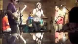 高知の歌謡曲バンド「テリーズ」の2008年9月の演奏です. 毎月第1土曜日...