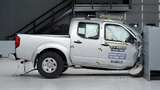 2018 Nissan Frontier crew cab passenger-side small overlap IIHS crash test