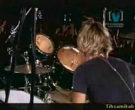 Foo Fighters - Monkey Wrench - Live At VHQ 2002