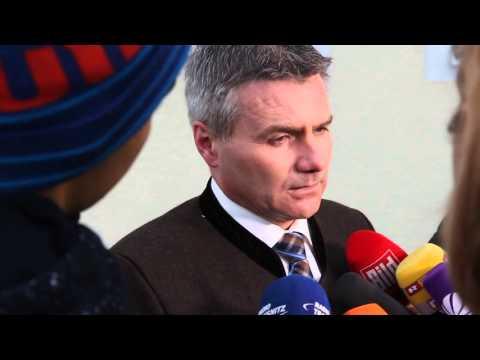 Flüchtlingsbus zurück aus Berlin: Statement von Landrat Peter Dreier