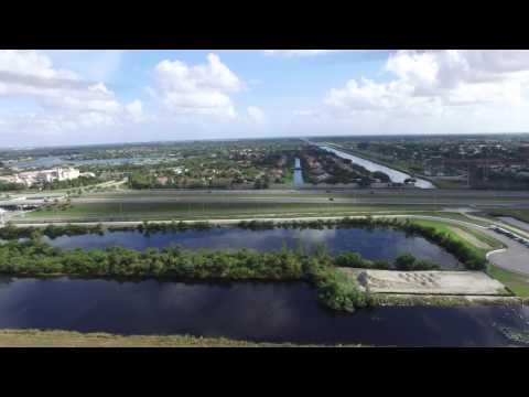 Phantom 3 Flying Around Sawgrass Trails By The Everglades