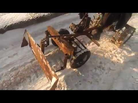 Уборка снега мотоблоком - YouTube