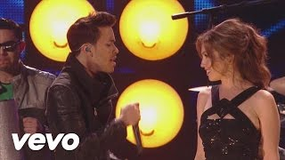 Thalia - Te Perdiste Mi Amor (Premios Lo Nuestro 2013) ft. Prince Royce thumbnail