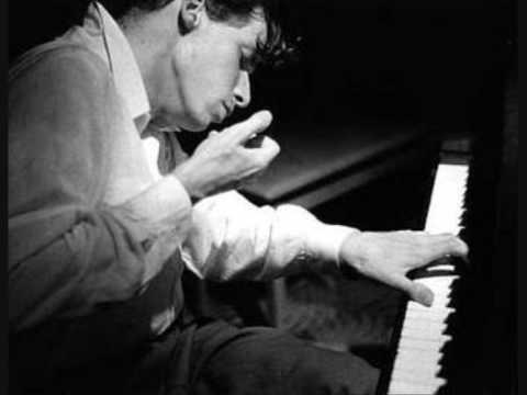 Beethoven - Op.57 Piano Sonata No. 23 F minor 3rd Movement - Glenn Gould