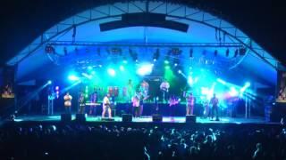 Mala Tuya - Tan Lejos - en vivo (audio de cámara)