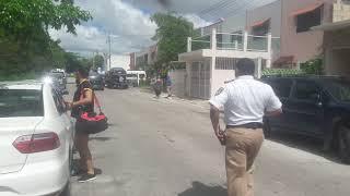 Policías corruptos de Cancun robando coches
