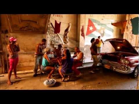 Salsa House En Cuba - Gozando En El Solar