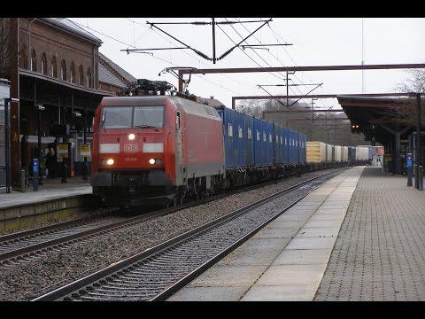 DB EG3102 med container-/trailertog