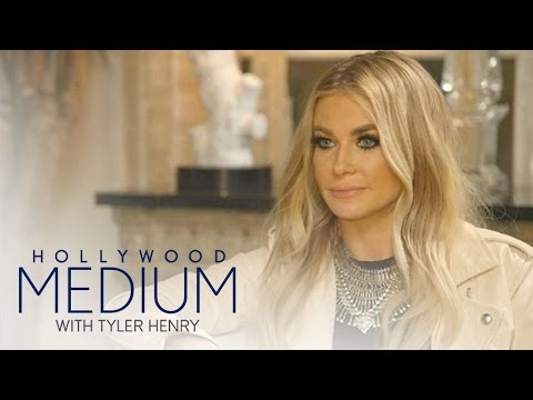 Tyler Henry Sits Down With Carmen Electra | Hollywood Medium with Tyler Henry | E!