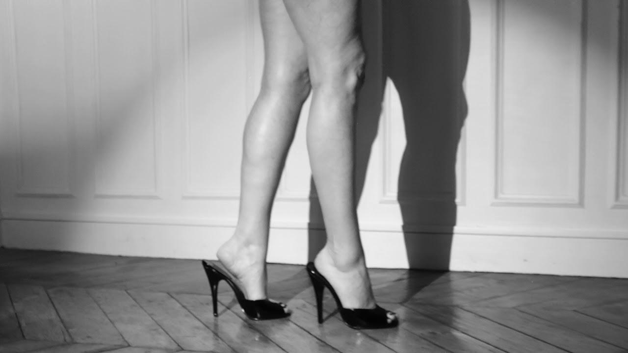 amateur heel high leg mules