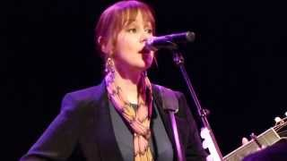 Suzanne Vega - Crack In The Wall (new song) - live Freiheiz Munich 2014-02-11