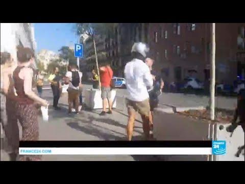 """URGENT - """"Panique absolue"""" : Une fourgonnette percute violemment la foule à Barcelone"""