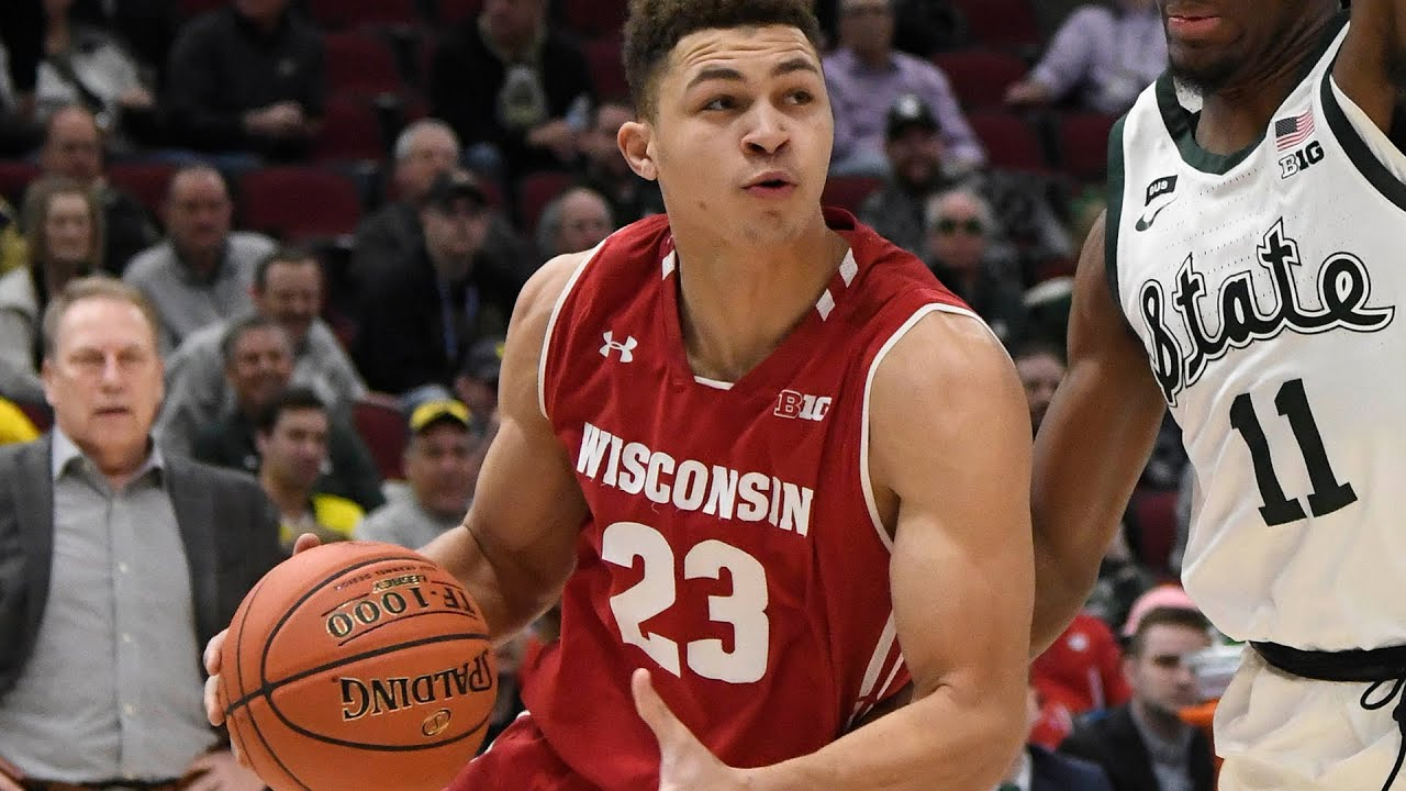 NCAA Tournament live: Wisconsin 25, Oregon 25 after one half
