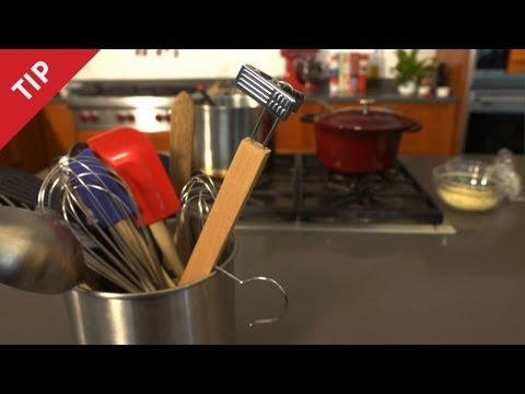 Save Why You Need a Hanger in the Kitchen - CHOW Tip Images