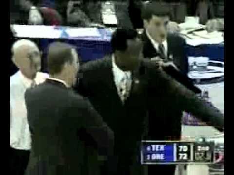 Freddie Jones finger roll beats Texas in 2002 Sweet Sixteen of March Madness