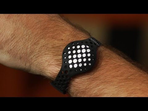 Moov Now review: A fitness tracker and personal trainer in one