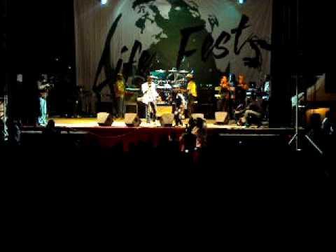 "Stephen "" DI GENIUS "" Mc Gregor - Cyaan Friend Again Live @ Life Fest 2010"