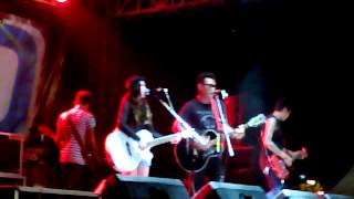 Last Child Feat Ashilla - Back to December @Jackloth 8 Desember 2012