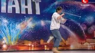 Gambar cover Україна має талант! 2010 BEST Рафхат Ямалутидинов  Крутой фристайлист Рэпер