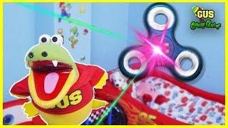 GIANT FIDGET SPINNER TOY visits Gus and Hunt for magical fidget spinner