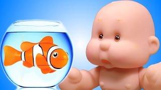 Мультфильмы для детей с пупсиком куклой. Играем в дочки матери мультик для девочек с игрушками