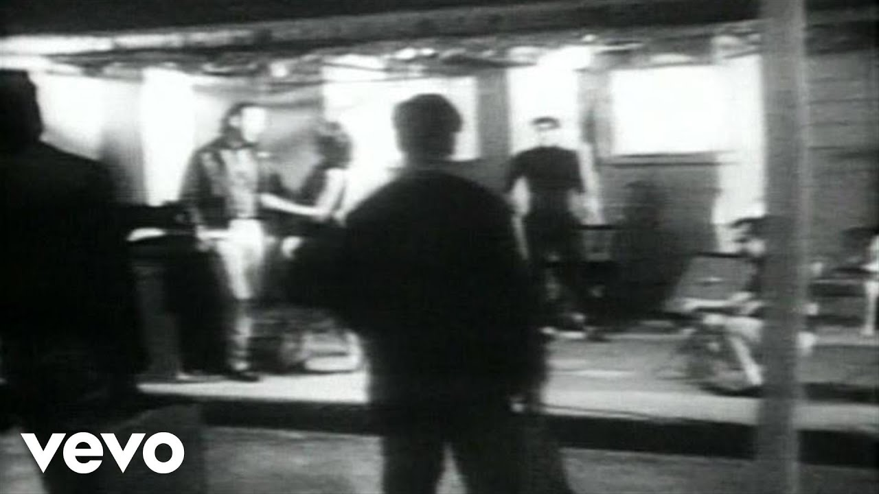John Mellencamp - R O C K  In The U S A  (A Salute To 60's Rock)