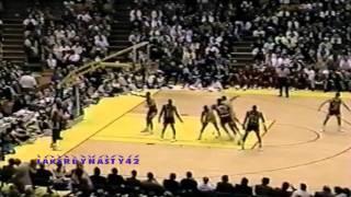 Magic Johnson 1990: 22pts & 17asts vs. Chicago Bulls