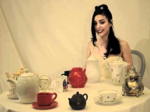 Dimie Cat - Christmas Tea
