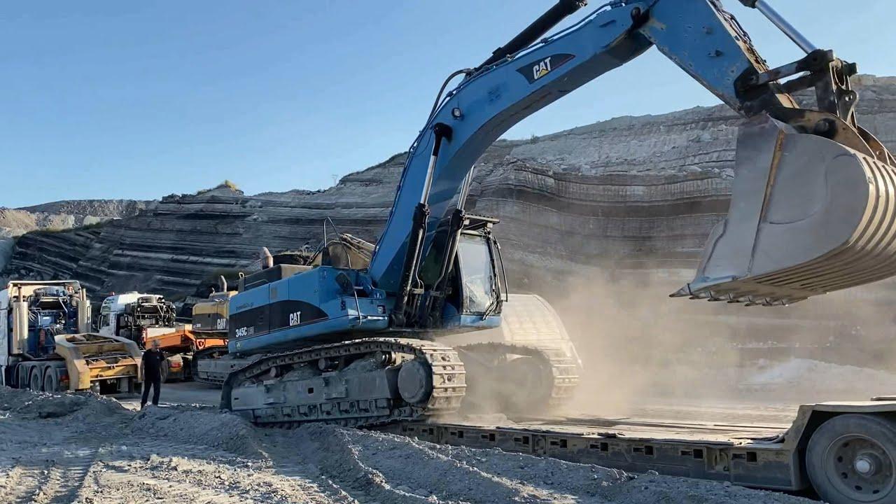 Transporting Two Caterpillar Excavators Cat 365B And Cat 345C - Fasoulas Heavy Transports