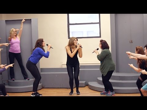 "MAMMA MIA! Farewell Tour Cast Rehearses ""Dancing Queen"""
