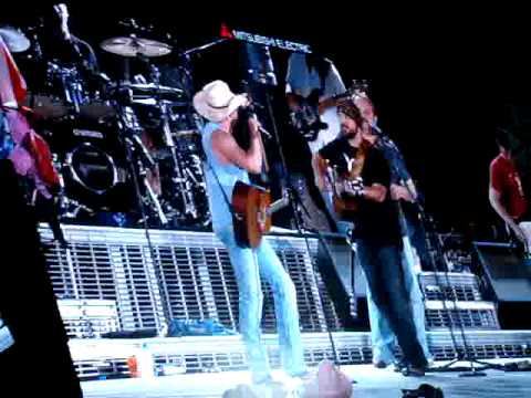If You're Gonna Play In Texas - Kenny Chesney & Zac Brown Band Dallas, TX