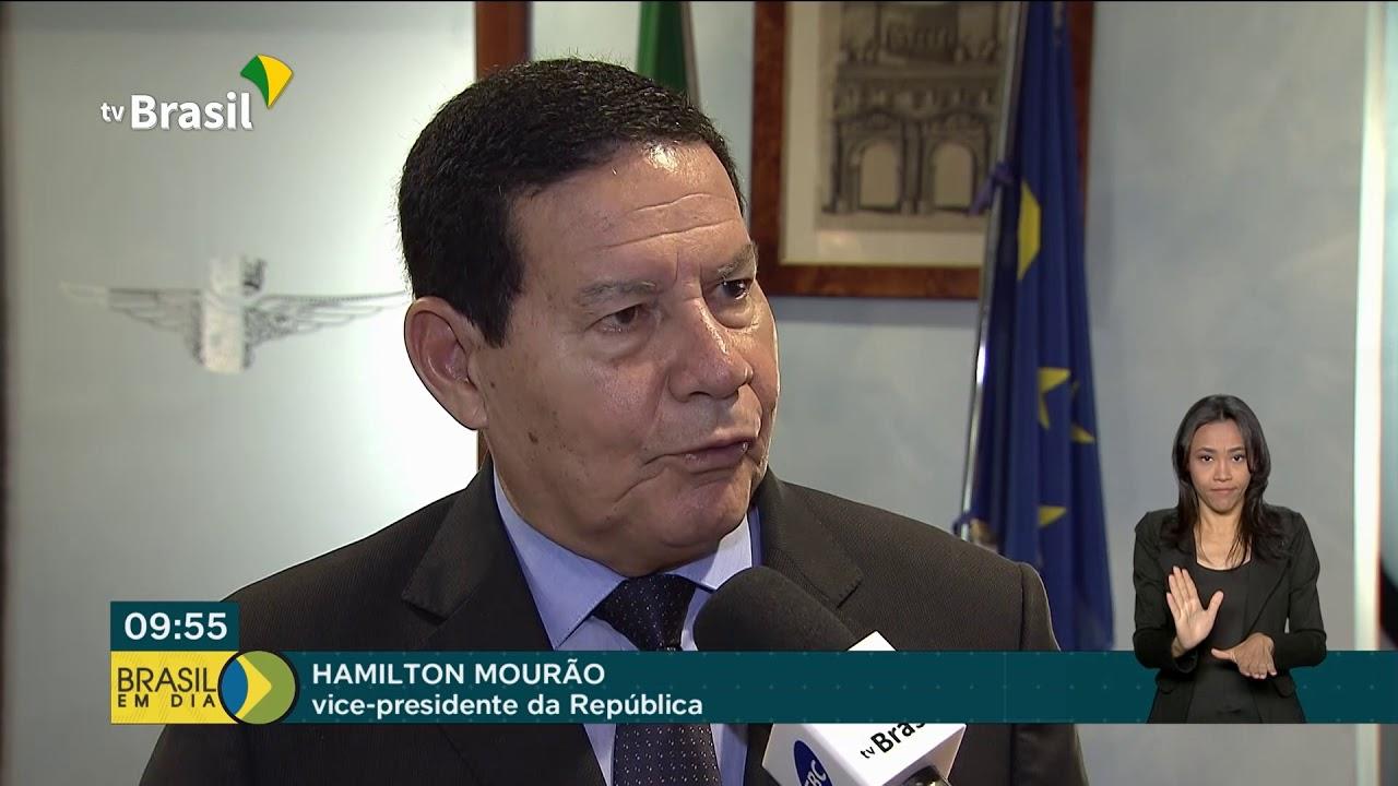 Vice-presidente Hamilton Mourão acompanha canonização da Irmã Dulce