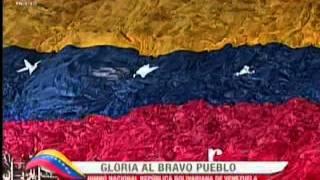 Despliegue de la Bandera de Venezuela en el partido Vinotinto-Bolivia.