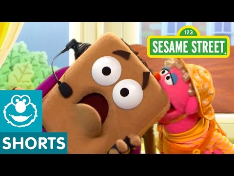 Sesame Street: The Hidden Teething Biscuit (Smart Cookies)