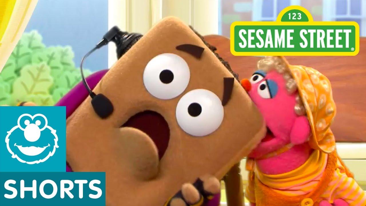Sesame Street: The Hidden Teething Biscuit | Smart Cookies