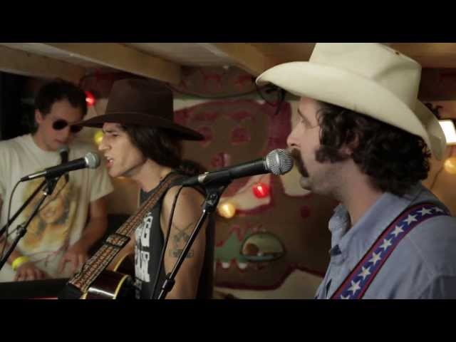 Leo Rondeau - Resistance In My Blood (Live @Pickathon 2013)