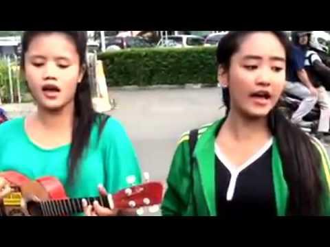 Pengamen Cantik Cover Kangen Band - Ijab kabul Versi Koplo
