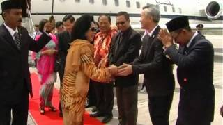 Arrival of The Raja Permaisuri Agong 13 MAR 2012